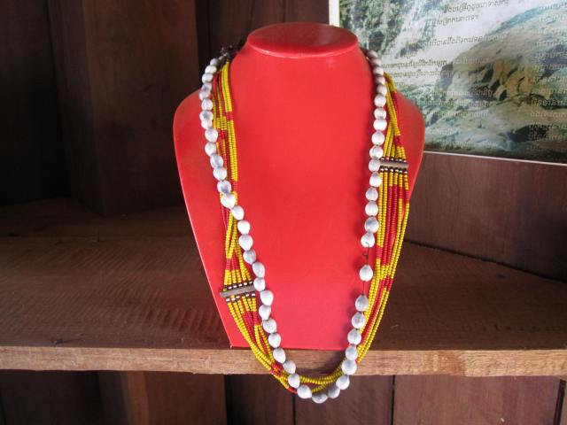 bunong tradtional neckleck